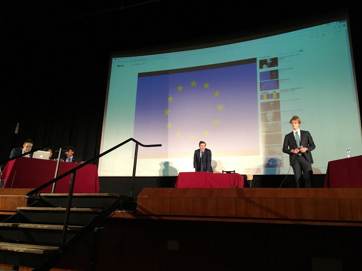 Processo all'Europa organizzato in assemblea d'Istituto da alcuni partecipanti della summer school